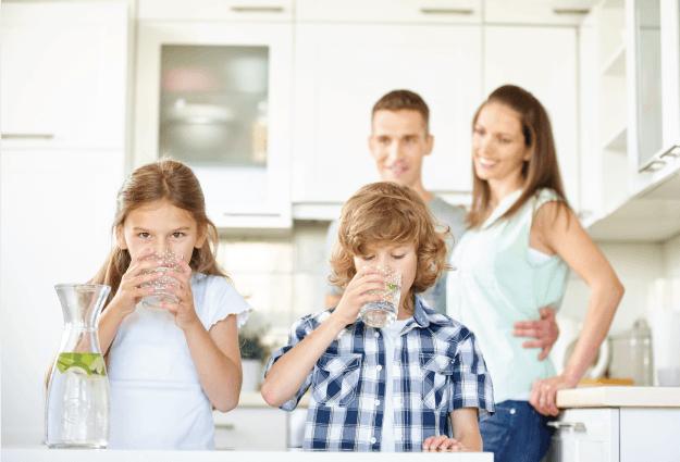 Mėgaukitės į namus pristatomu vandeniu